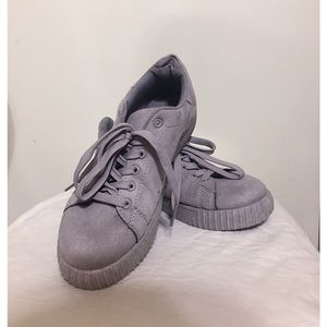 CHARLOTTE RUSSE Gray Suede Sneakers